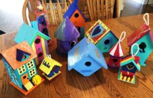 Birdhouse gift, birthday presents, weathered fence decorations, gifts for grandma, creativity, how to brighten up a drab backyard, easy craft projects