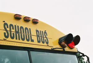 school-bus-red-light-655548-m