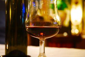 glass-of-wine-1170593-m