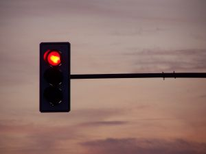 traffic-lights-in-the-evening-1078398-m