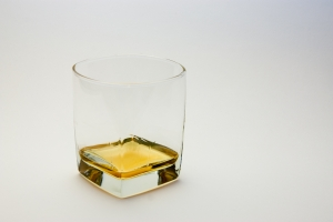 glass-of-whiskey-1254218-m