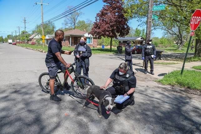 Michigan Humane working with Detroiters.