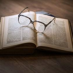 bible-glasses-compressor