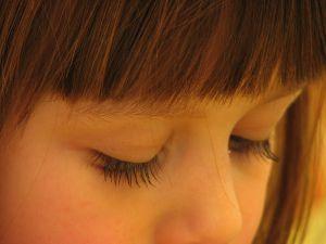 sad-little-girl-821335-m