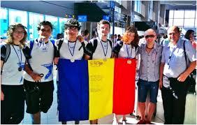 elevi romani premianti la olimpiada de astronomie