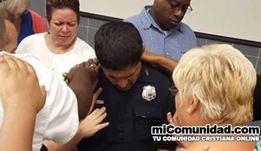 Policía lanza campaña de oración 24/7 en Texas EEUU