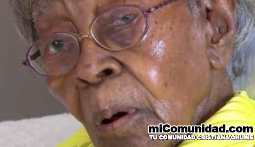 Anciana que sufre demencia recita el Salmo 23 al cumplir 111 años