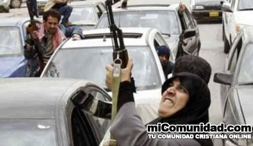 Mujer abandona Al-Qaeda después de asistir a la iglesia