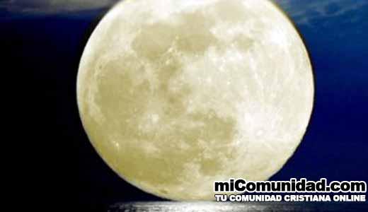 """Superluna sería """"señal profética"""", según experto"""