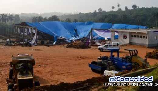 Colapso en iglesia deja 160 muertos en Nigeria
