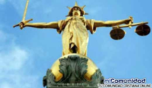 """Corte Inglesa busca destruir el Cristianismo: """"La Biblia es Criminal"""""""