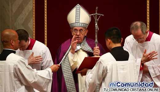 """El Papa Francisco preocupado por los Endemoniados: """"Los Sacerdotes deben llamar a Exorcistas"""""""