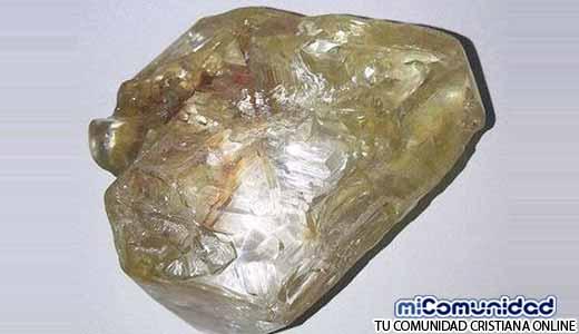 Pastor encuentra diamantes en Sierra Leona valor de más de R$ 330 millones