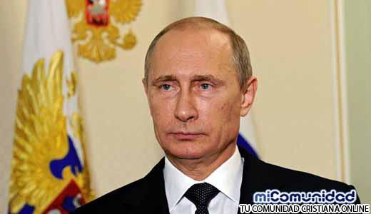 """¿Putin defiende valores Bíblicos? Rusia Prohíbe """"La Bella y la Bestia"""" por """"Promover la Homosexualidad"""