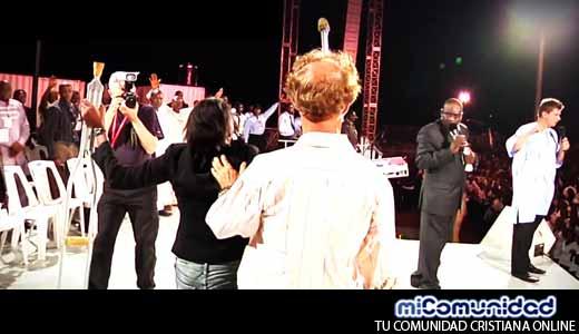 Video: Mujer es sanada por Dios y su video se viraliza.- Milagro