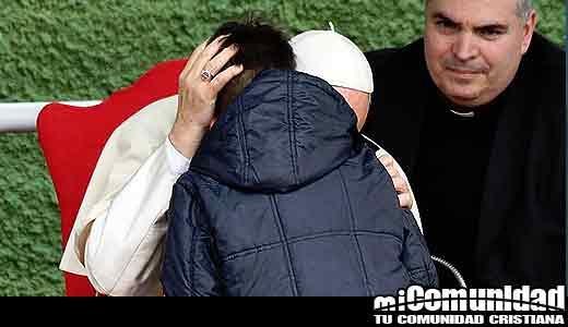 '¿Está mi papá en el cielo?' niño le preguntó al Papa