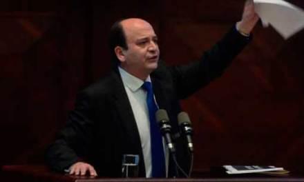 Carlos Baca Mancheno fue censurado y destituido como Fiscal General