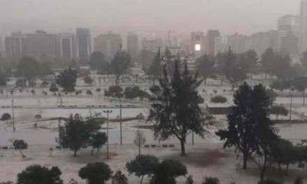 Lluvia de granizo en Quito dejó afectados.