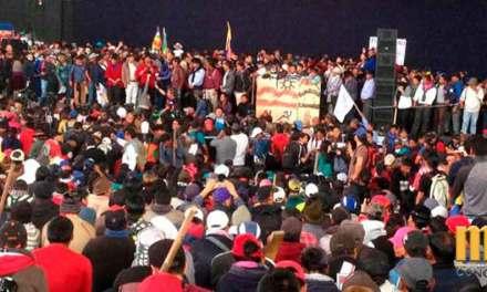 Jaime Vargas asegura seguir en las calles por falta de respuestas del Gobierno