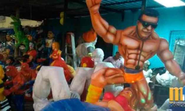 Municipio de Guayaquil prohíbe venta de monigotes que personifican a Julissa