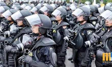 Fuerzas Armadas adquieren trajes 'Robocop' para disturbios y motines en Ecuador