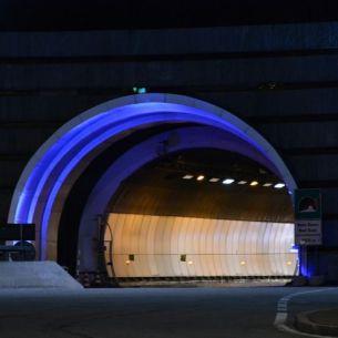 Tunel Mb night