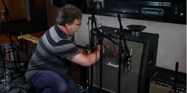 Microphone recording tips on electric guitars