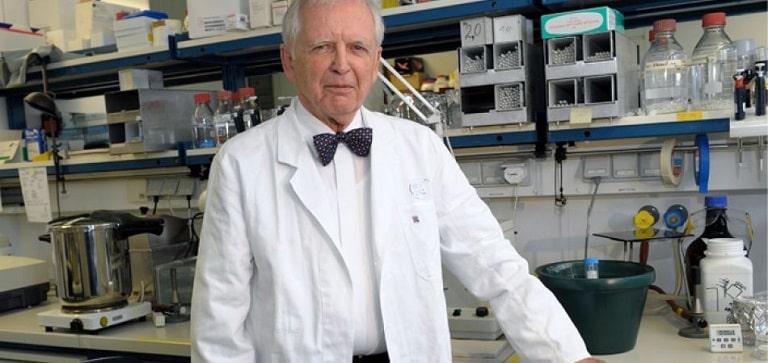 Harold Zur Hausen fu il primo ad isolare genoma di papillomavirus da carcinoma della cervice uterina.