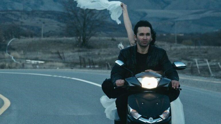 Festivales: crítica de «In Between Dying», de Hilal Baydarov (Toronto/Venecia)