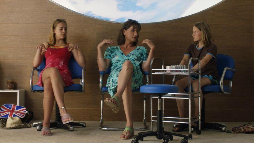 Estrenos online: crítica de «Una familia perfectamente normal», de Malou Reymann (MUBI)