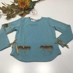 sudadera azul kauli, con detalles de pelo en los bolsillos