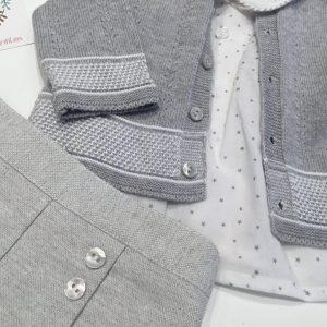 conjunto bombacho gris con chaqueta