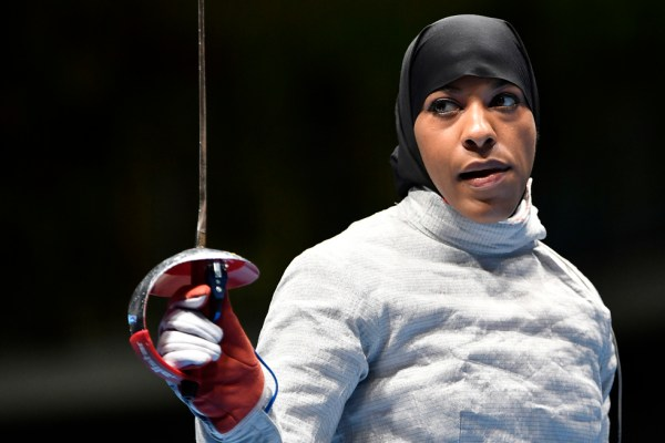 American Olympic fencer takes stab at Trump's anti-Muslim ...