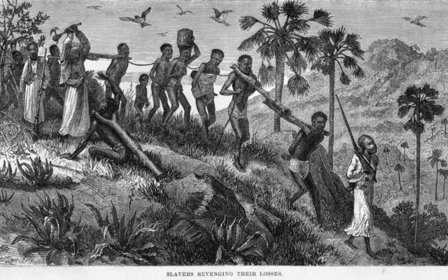 Slavers Revenging their Loss (esclavagistes vengeant leurs pertes). Gravure de 1866 montrant des hommes, des femmes et des enfants dirigés par des esclavagistes arabes (Creative Commons)