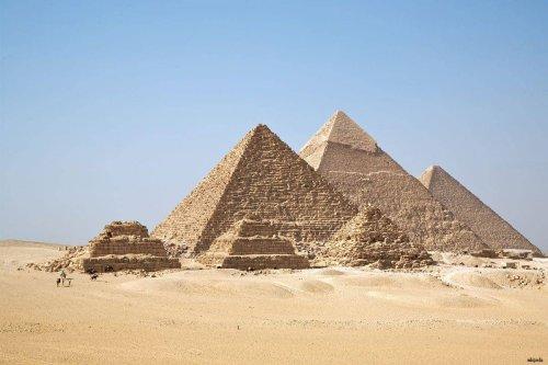 The Pyramids of Giza [Wikipedia]