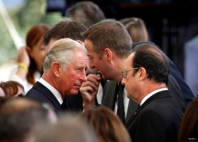 Britain's Prince Charles (L) and French President Francois Hollande (R) are seen upon their arrival to attend the funeral of former Israeli President Shimon Peres at Mount Herzl cemetery in Jerusalem September 30, 2016. REUTERS/Baz Ratner