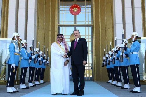 Turkish President Recep Tayyip Erdogan (R) shakes hands with the Crown Prince of Saudi Arabia, Muhammad bin Nayef bin Abdulaziz Al Saud during an official welcoming ceremony at the Presidential Complex in Ankara, Turkey on 30 September, 2016