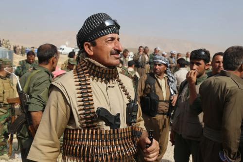 Iraqi Kurdish Regional Government's Peshmerga forces take positions as they attack Daesh targets on October 20 2016. [Feriq Fereç - Anadolu Agency]