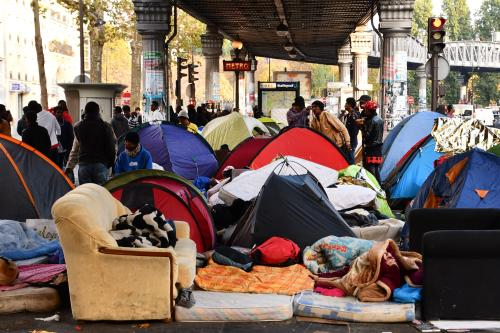 About two thousand refugees live in tents and streets around the square in Paris on 26th October 2016 [Mustafa Yalçın/Anadolu Agency]