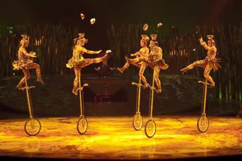 Cirque du Soleil (Flickr: TBWABusted)