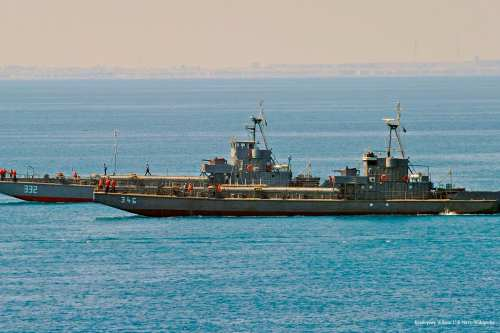Two Egyptian navy amphibious landing craft make their way to shore [Kristopher Wilson U.S Navy/Wikipedia]