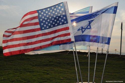 U.S. and Israeli flags [Maj Stephanie Addison/Wikipedia]