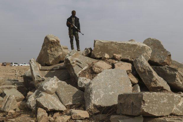 Wreckage of the historical works, destroyed by Daesh terrorists [İdris Okuducu/Anadolu Agency]