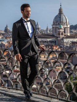Omar Kamal during the shooting of 'Love Never Felt So Good', Italy. [Elio L. Carchidi/Studio 154, Rome]