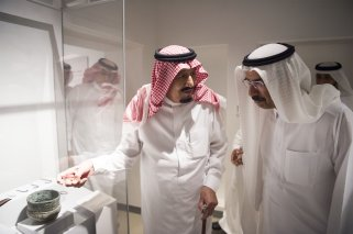 DUBAI, UAE - DECEMBER 5: King of Saudi Arabia Salman bin Abdulaziz (L) visits Sheikh Saeed Al Maktoum House in Dubai, United Arab Emirates on December 5, 2016. ( Bandar Algaloud/ Saudi Kingdom/ Handout - Anadolu Agency )