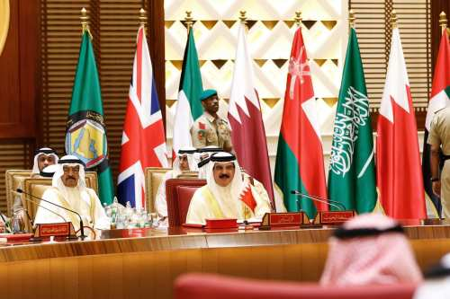 King of Bahrain, Hamad bin Isa Al Khalifa (R) attends the closing session of the 37th Leaders Summit by Gulf Cooperation Council member states at Al-Sakhir Palace in Manama, Bahrain on 7 December, 2016 [Stringer/Anadolu Agency]