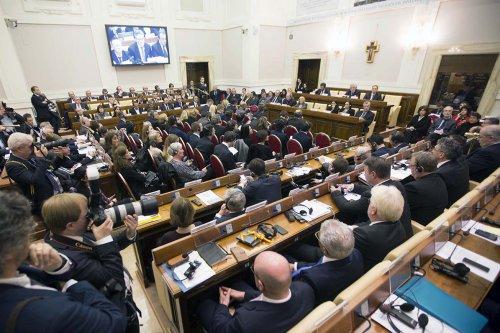European mayors attend a summit on refugees, in Vatican City, Vatican on December 10, 2016 [Riccardo De Luca / Anadolu Agency]
