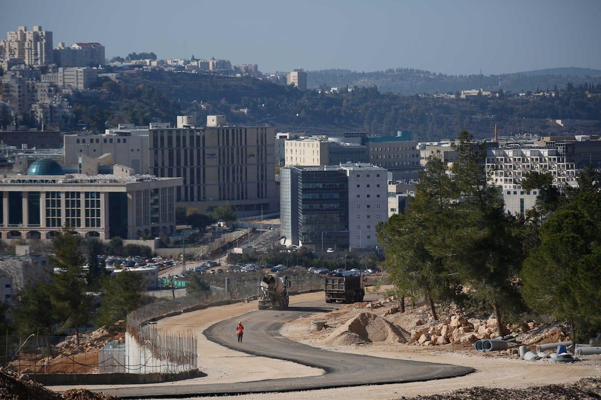 Israel continues settlement construction work in east of Jerusalem [Daniel Bar On/Anadolu]