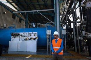 GAZA CITY, GAZA - JANUARY 19: A view of the European Union (EU) and UNICEF funded huge sea-water desalination plant during its inaguriation ceremony in Deir al Balah, Gaza on January 19, 2017. ( Ali Jadallah - Anadolu Agency )