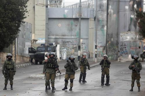 Israeli security forces intervene a Palestinian demonstration demanding Israel return the Palestinian bodies killed by Israeli forces, in Bethlehem, West Bank on January 26, 2017 (İssam Rimawi - Anadolu Agency )